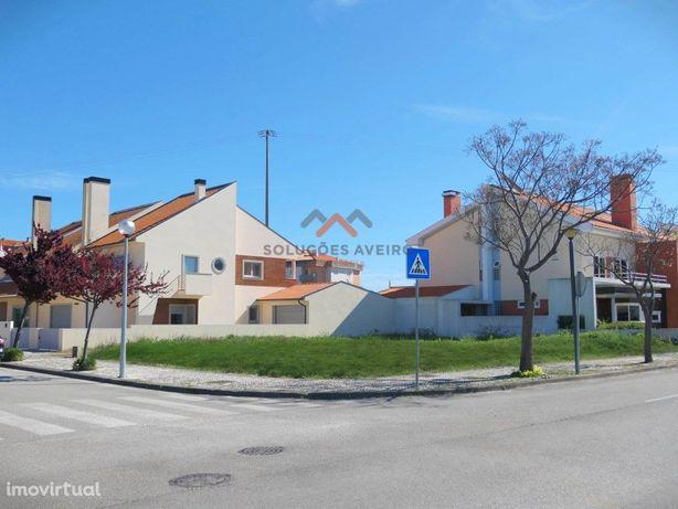 Área Residencial com Lotes de 399 m2 a 654 m2 a 5 minutos...