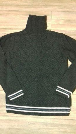 Очень теплый качественный свитер Турция новый