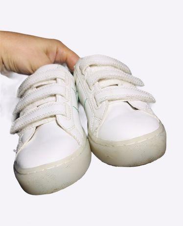 Кожаные кеды кроссовки светятся Kurt Geiger, 29 р