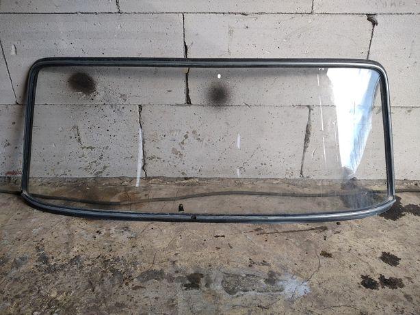 Продам Заднє скло ваз 2101-2107 з уплотнителями.