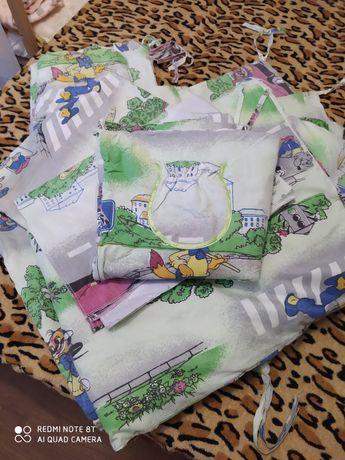 Защита в кроватку бортики одеяло балдахин
