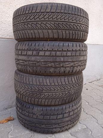 Opony zimowe Goodyear 215/45R17