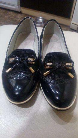 лоферы-туфли для девочки 33 р