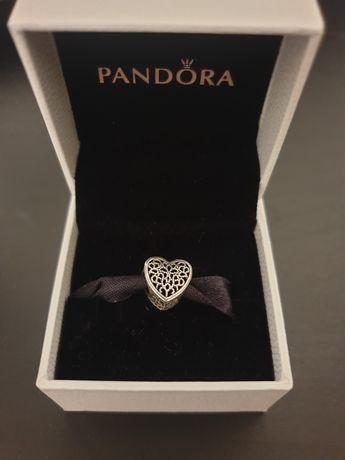 Conta Pandora coração
