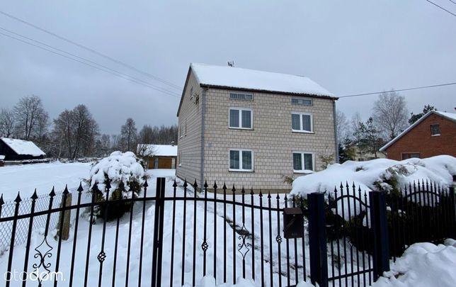 Dom piętrowy dwurodzinny w cichej okolicy