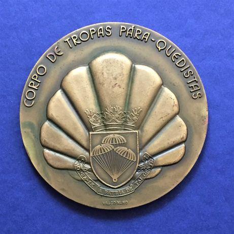 """medalha CORPO TROPAS PARA-QUEDISTAS-Honra-se a Pátria de Tal Gente"""""""