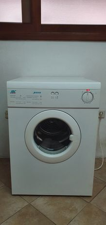 Máquina de secar roupa JBC modelo JB600S