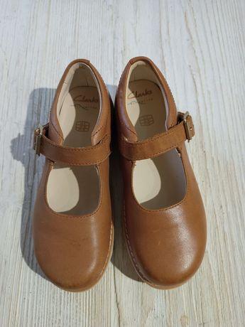 Новые туфельки Clarks на девочку