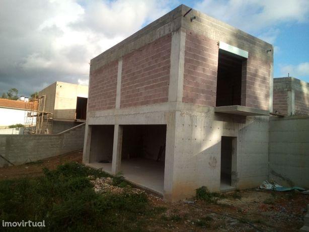 Excelente moradia T4 nova e isolada em Santa Maria da Feira