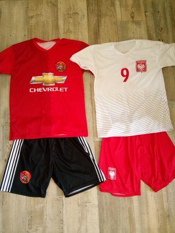 Dwa stroje piłkarskie Polska i Manchester r154-160