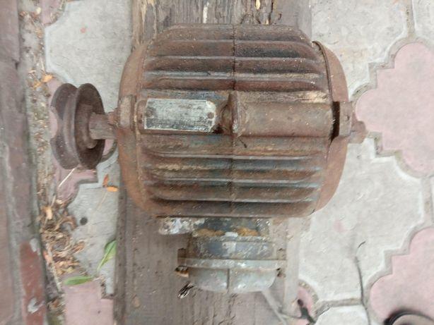 Циркулярка, вал та електродвигун