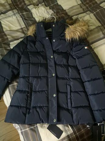 Granatowa damska kurtka zimowa z kapturem Tommy Hilfiger rozmiar s
