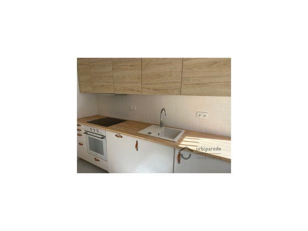 Apartamento T2 Remodelado, com acabamento de qualidade e ...