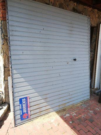 Brama garażowa z napędem