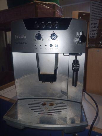Кофеварка автоматическая Delonghi