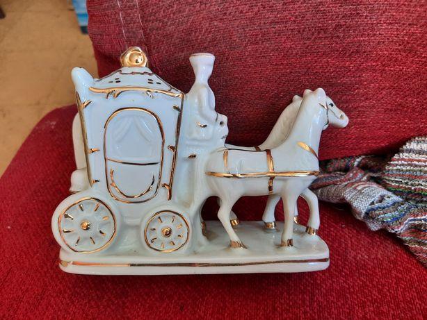 Biblou carroça e cavalos