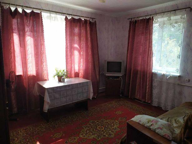Продам 2-х комнатную квартиру в центре города Синельниково