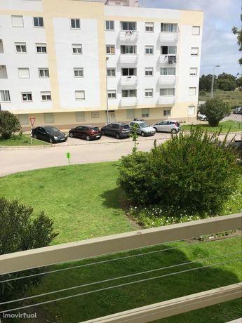 Apartamento em Santa Marta, T2 com varanda
