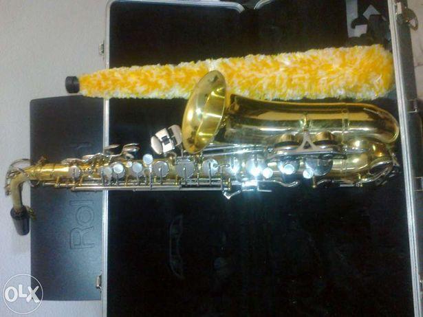 Saxofone selmer alto boas condições
