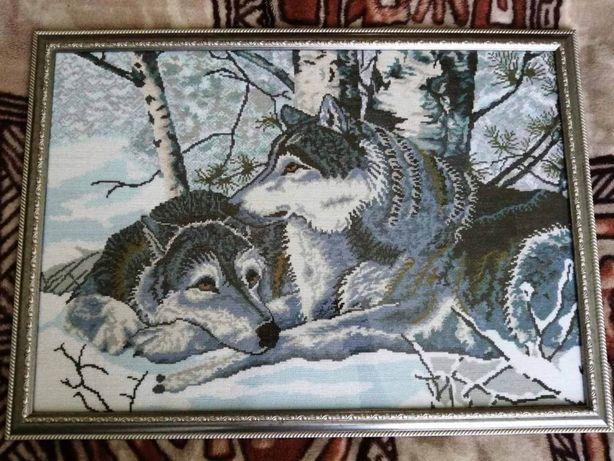 """Картина """" волки """" вышита крестиком"""