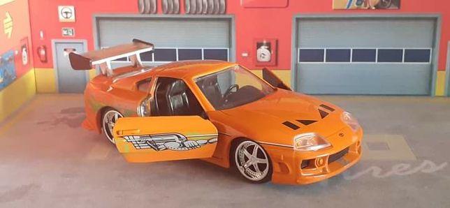 Toyota Supra fast & furious (novo em caixa, escala 1/32)