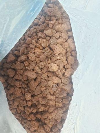 Lawa wulkaniczna czerwona czarna 10-20 mm 1 kg