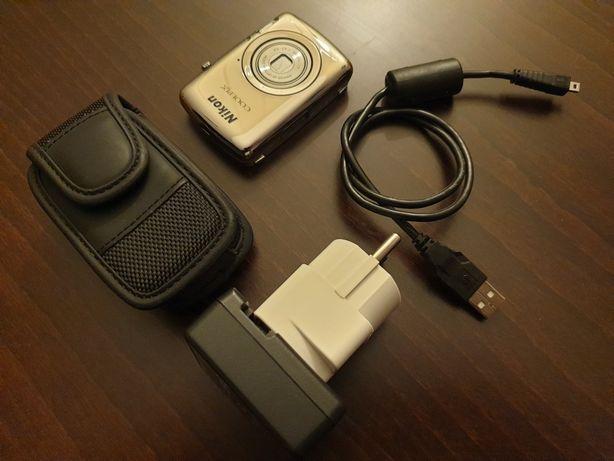 Aparat fotograficzny kompaktowy. Nikon coolpix S01.