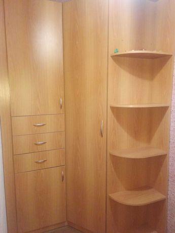 Прихожая, угловой шкаф, тумба под обувь, зеркало в коридор