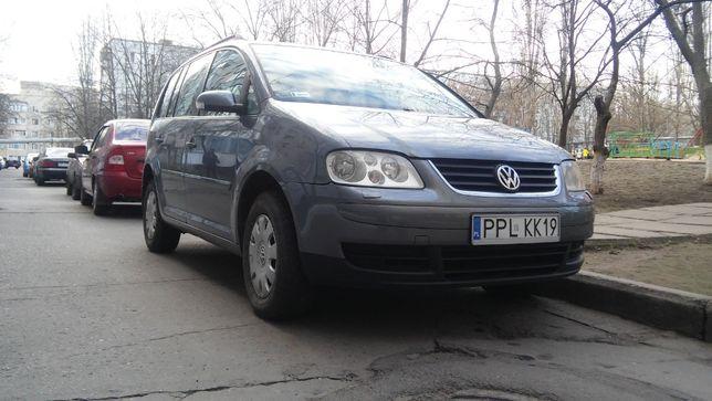 Автомобиль Volkswagen Touran