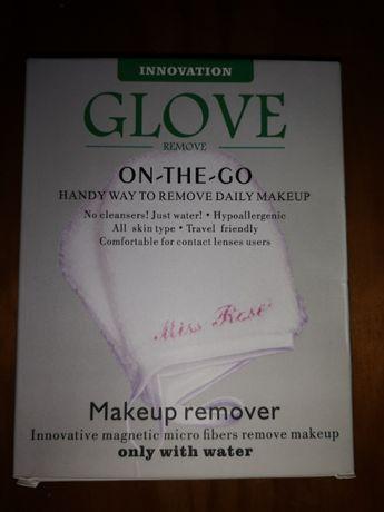 Luva remove maquilhagem