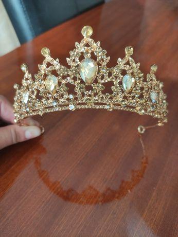 Tiara Coroa Grande Dourada Noiva Brilhantes