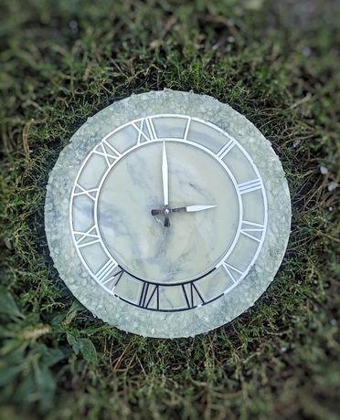 Часы из Эпоксидной смолы в наличии