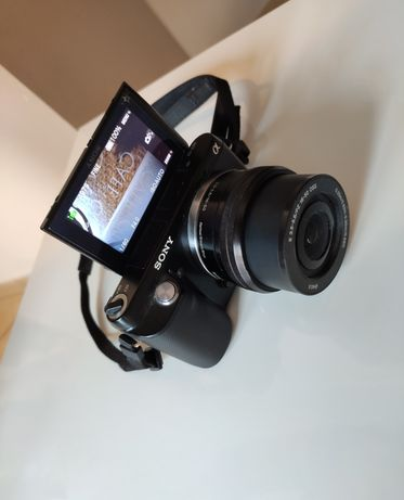 Aparat Sony NEX- F3 z wymienną optyką 16.1MP SEL-P 16-50mm