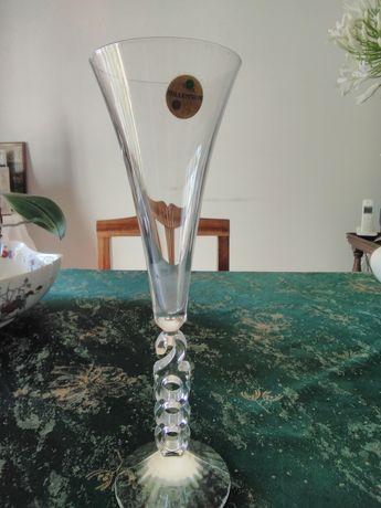 Copo tipo flauta de Cristal,ainda com etiqueta,comemorativo do milénio