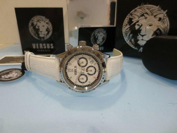 Часы Versus Versace Cosmopolitan White Chronograph