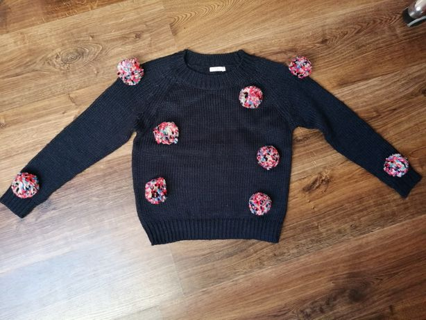 Sweter pompony 134/140 cm jak nowy