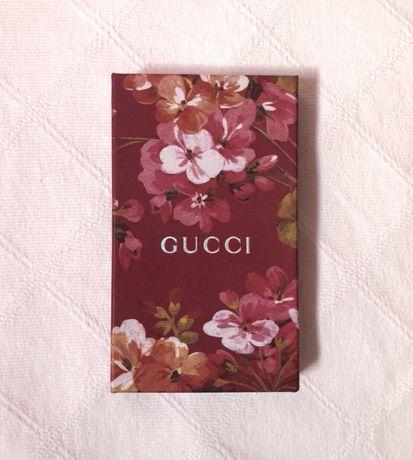 Gucci - Caixa vazia com flores (10cm x 17cm)