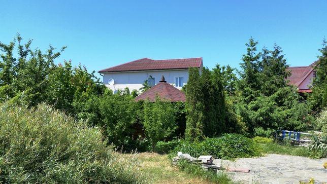 Продам дом с участком в пгт. Брусилов