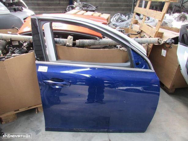 Porta Frente Direita Peugeot 308 GT Line do ano 2013