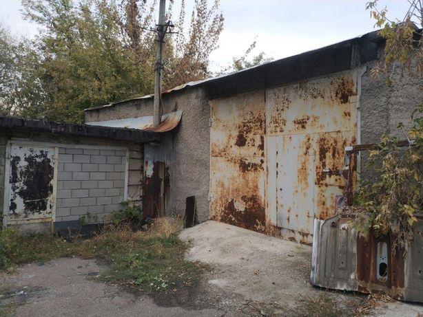 Классный гараж, 90 кв.м в двух уровнях в Калининском районе г.Донецка