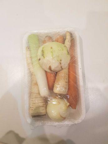 Wloszczyzna , warzywa tacki