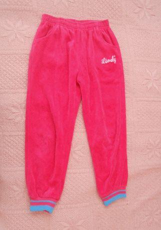 Спортивные штаны для девочки.