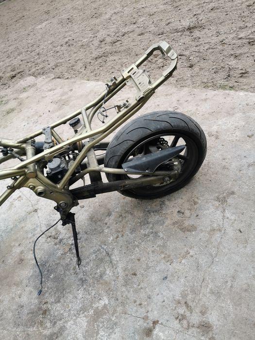 Kawasaki Er 6f rama Topór - image 1