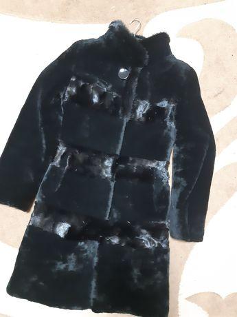 Шуба с мутона натуральная 42 44 размер