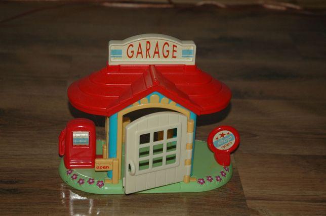 garaż stacja paliw domek