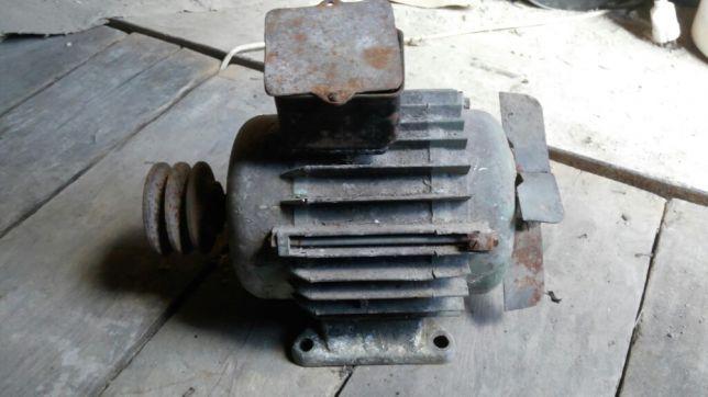 Электродвиготель 220/380 В 1,5 кВт 1500 об/мин