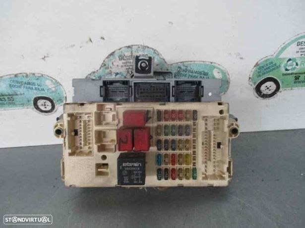 51711824  Caixa de fusíveis FIAT STILO Multi Wagon (192_) 1.9 JTD 192 A1.000