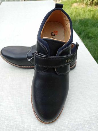 Туфли для мальчика 34 р