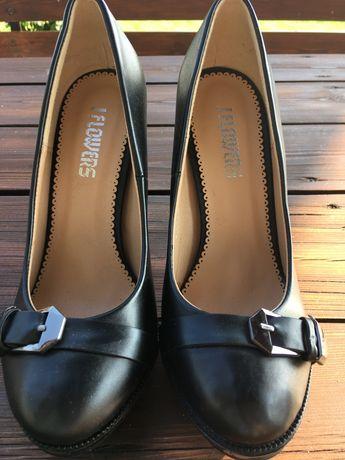 Czarne buty na obcasie rozmiar 37