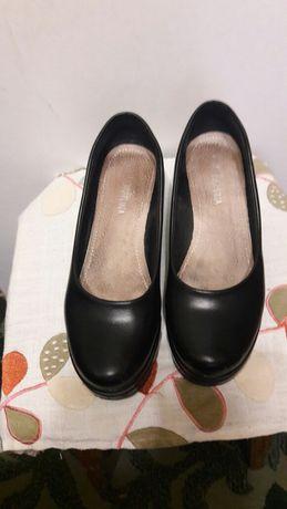 Продам туфли 41 размера
